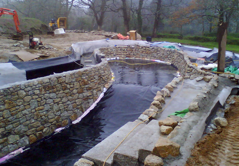 Services matt 39 s water pool services for Swimming pool builders